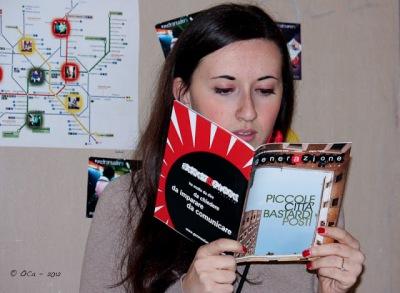 Clara Ramazzotti con generAzione rivista stampata