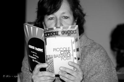 Una nuova fan con generAzione rivista stampata